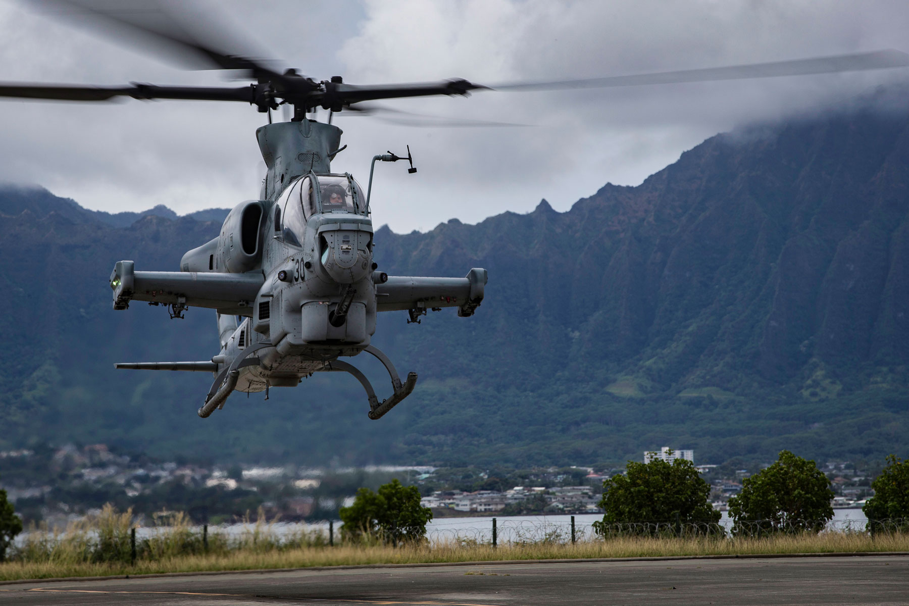 Marine Corps Identifies 2 Pilots Killed in Arizona Helicopter Crash
